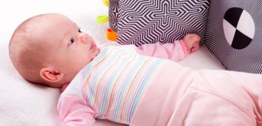 Zabawki dla niemowlaka – wesprzyj rozwój Twojego malucha!